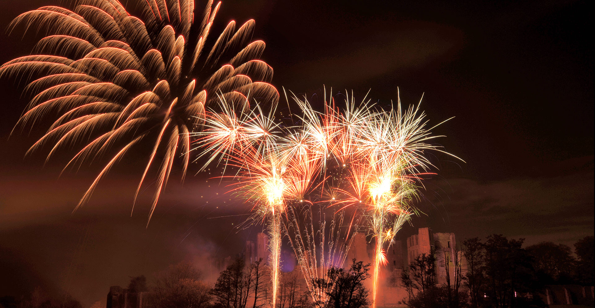 where to watch bonfire night 2018