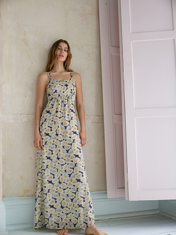 https://www.greatplains.co.uk/product/womens-dresses/j1hml/vintage-bloom-printed-maxi-dress.htm