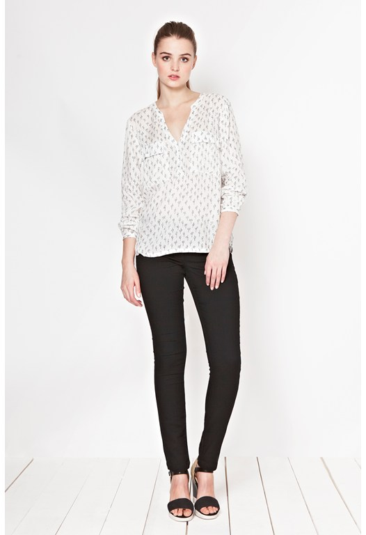 Get Knotted Print Shirt
