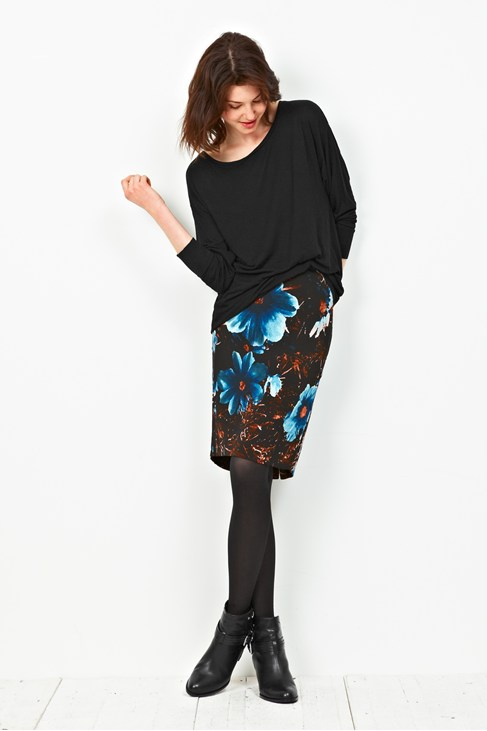 Winter Daisy Pencil Skirt