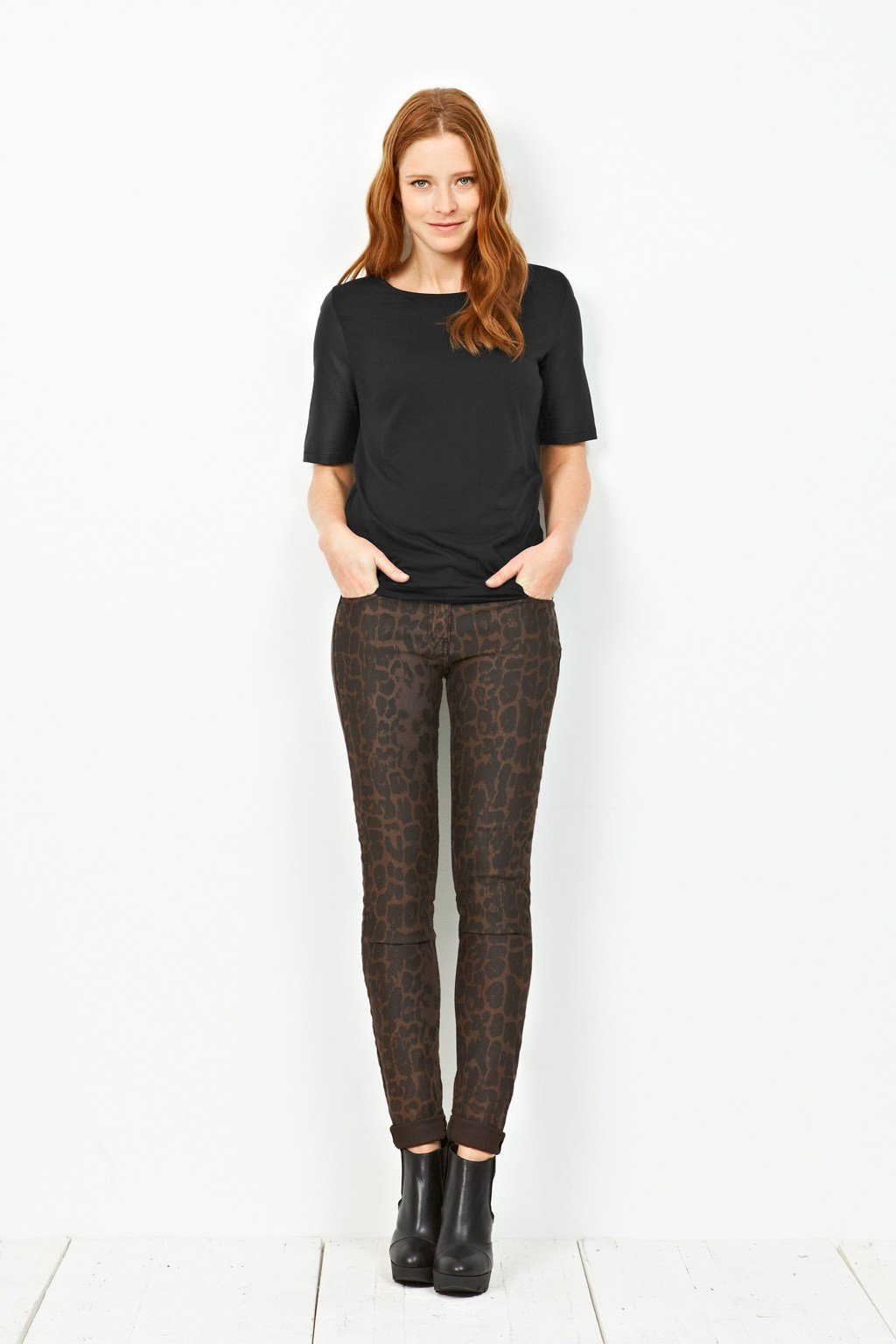 Buy Slim Leg Jean from Pure Collection: Discover our best-selling slim leg women's jeans, in a cotton rich stretch fabric, and a figure-flattering style. Available in 7 colours and 3 leg .