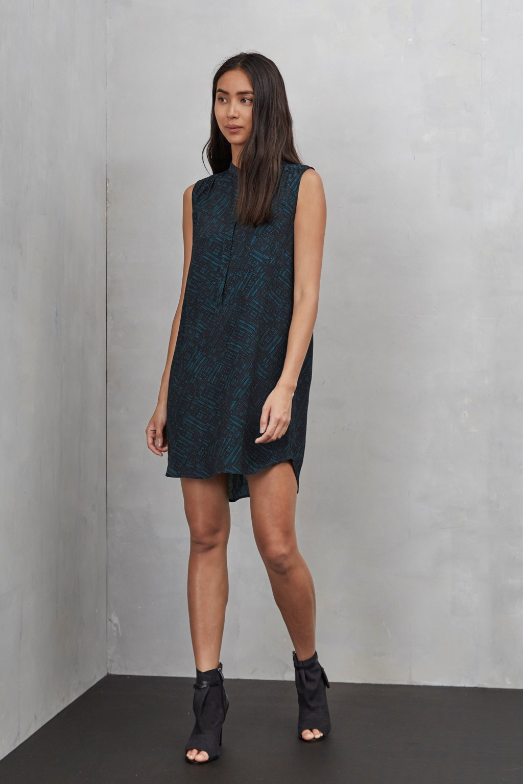 Helsinki Sleeveless Tunic Dress | Women | Great Plains
