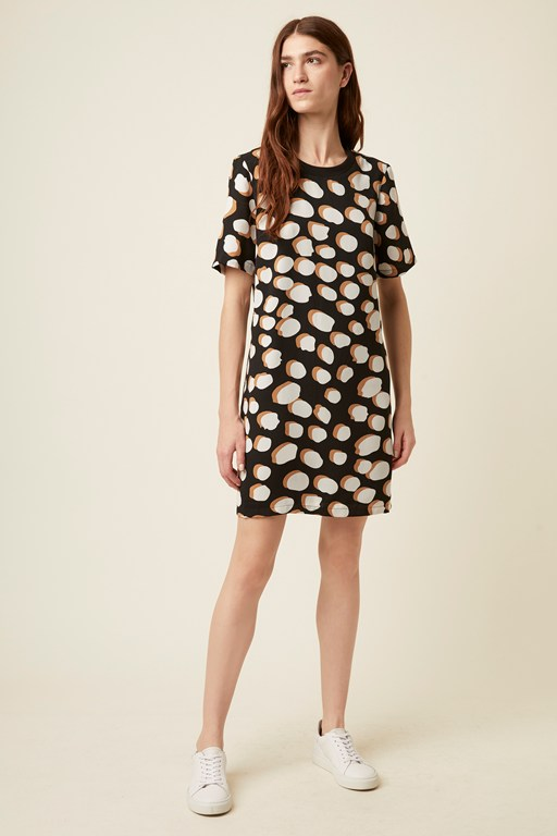 margot spot shift dress
