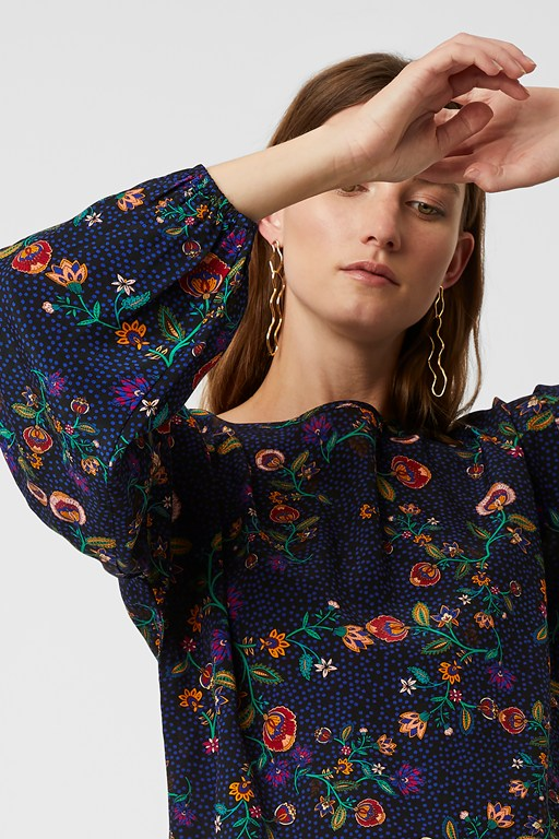 colette flower round neck top