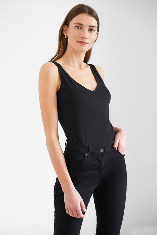 essentials fitted stretch vest