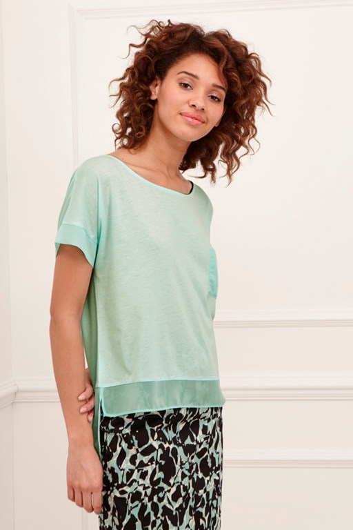 featherweight jersey pocket t-shirt