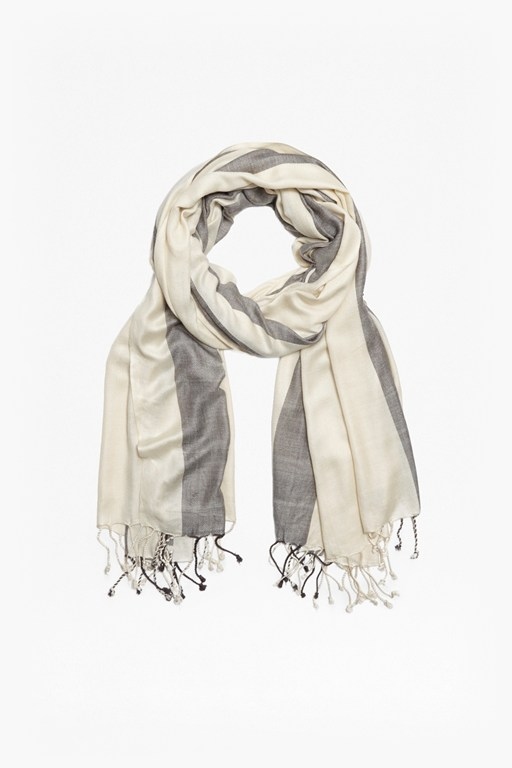 Complete the Look Dublin Scarf